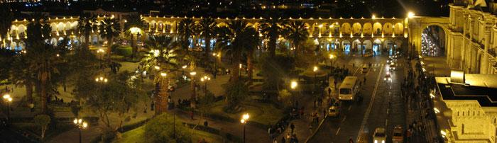 Plaza de Armas de noche