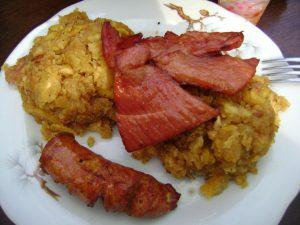 Tacacho con cecina, plato típico de la cocina de la selva de Perú.