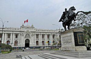 Plazas en Lima