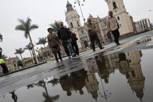 Lluvias por estación de invierno en Lima, Perú.