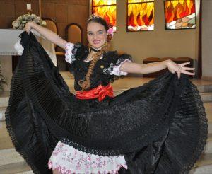 Mujer de la Costa con el traje típico